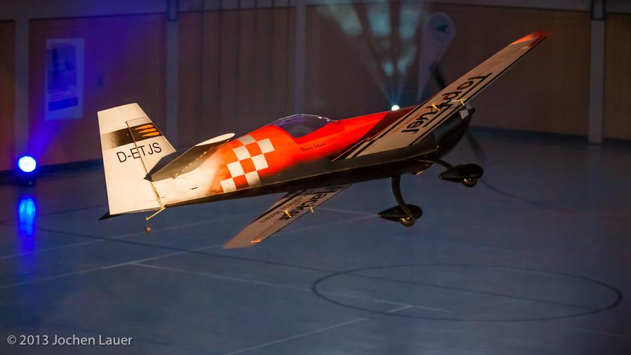 Extra 330 SC mit 3 Meter Spannweite von Thomas Schunk